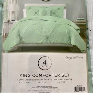 NWT Paige Collection 4-piece King Comforter Set